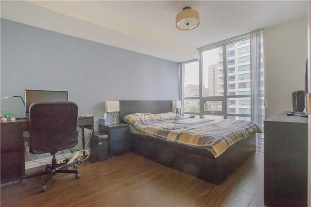 Condo Apartment at 35 Hollywood Ave, Unit 818, Toronto, Ontario. Image 13