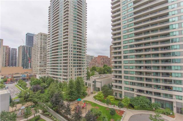 Condo Apartment at 35 Hollywood Ave, Unit 818, Toronto, Ontario. Image 5