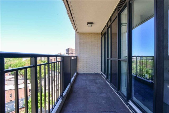 Condo Apartment at 181 Davenport Rd, Unit 803, Toronto, Ontario. Image 8
