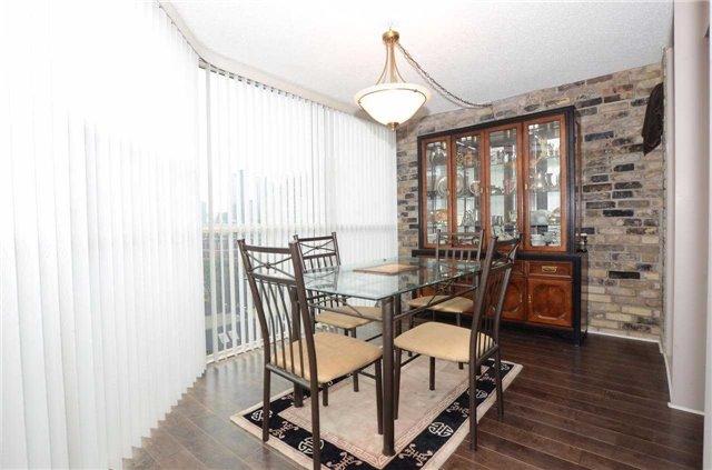 Condo Apartment at 701 King St W, Unit 801, Toronto, Ontario. Image 3
