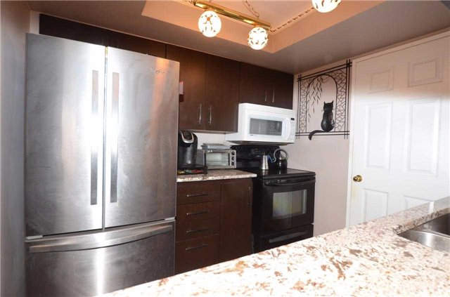 Condo Apartment at 701 King St W, Unit 801, Toronto, Ontario. Image 4