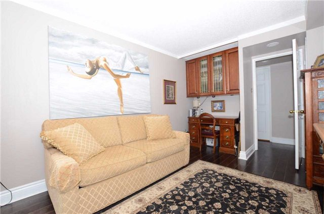 Condo Apartment at 701 King St W, Unit 801, Toronto, Ontario. Image 8