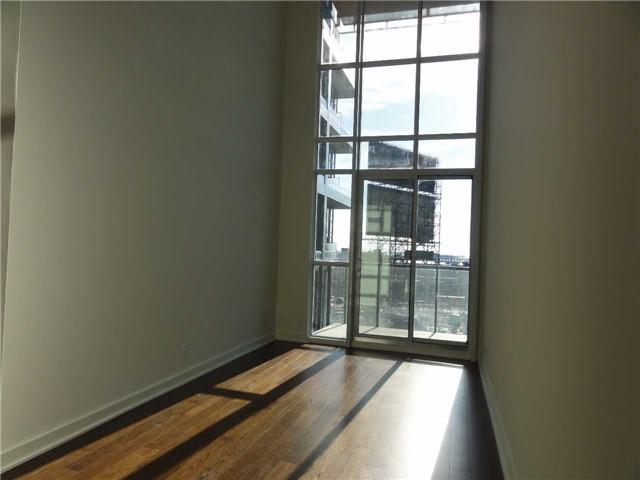 Condo Apartment at 5 Hanna Ave, Unit 403, Toronto, Ontario. Image 1