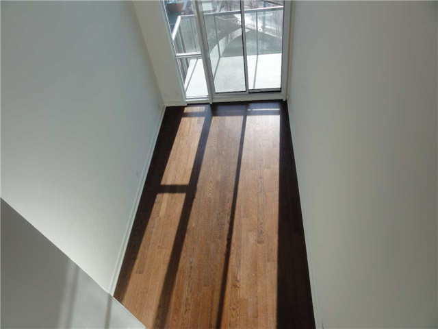 Condo Apartment at 5 Hanna Ave, Unit 403, Toronto, Ontario. Image 7
