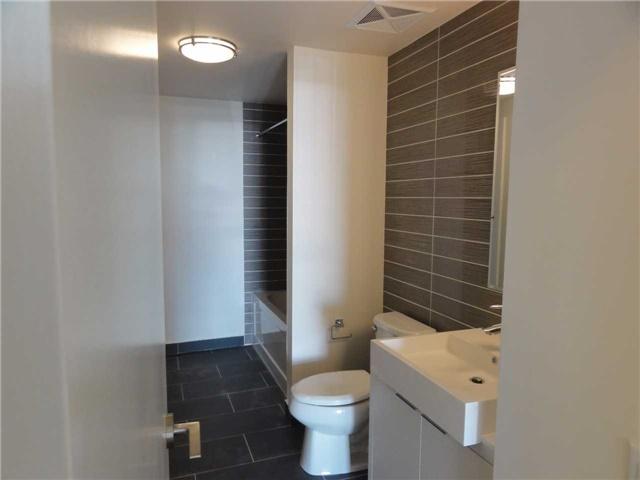 Condo Apartment at 5 Hanna Ave, Unit 403, Toronto, Ontario. Image 8
