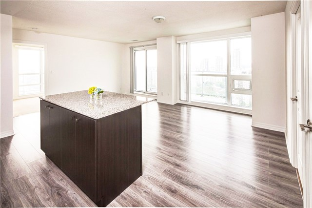 Condo Apartment at 2015 Sheppard Ave E, Unit 2204, Toronto, Ontario. Image 1