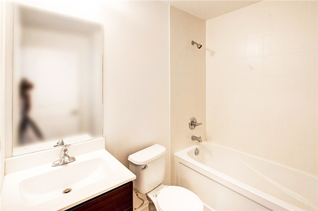 Condo Apartment at 2015 Sheppard Ave E, Unit 2204, Toronto, Ontario. Image 6