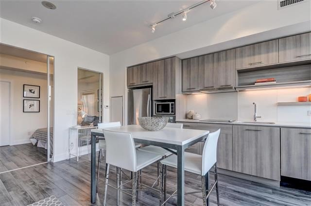 Condo Apartment at 170 Chiltern Hill Rd, Unit 608, Toronto, Ontario. Image 13