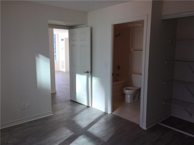 Condo Apartment at 25 Lower Simcoe St, Unit 507, Toronto, Ontario. Image 10