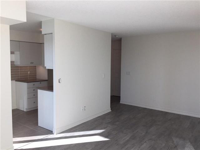 Condo Apartment at 25 Lower Simcoe St, Unit 607, Toronto, Ontario. Image 8