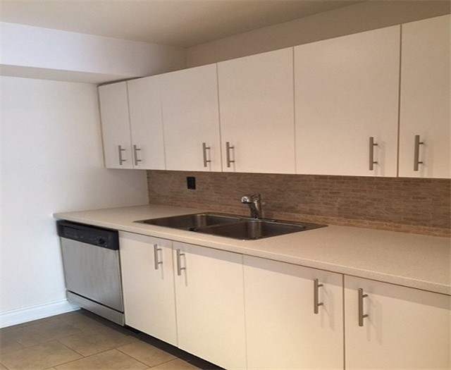 Condo Townhouse at 108 Redpath Ave N, Unit 18, Toronto, Ontario. Image 6