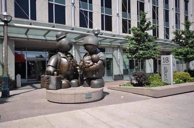 Condo With Common Elements at 18 Yonge St, Unit 3208, Toronto, Ontario. Image 1
