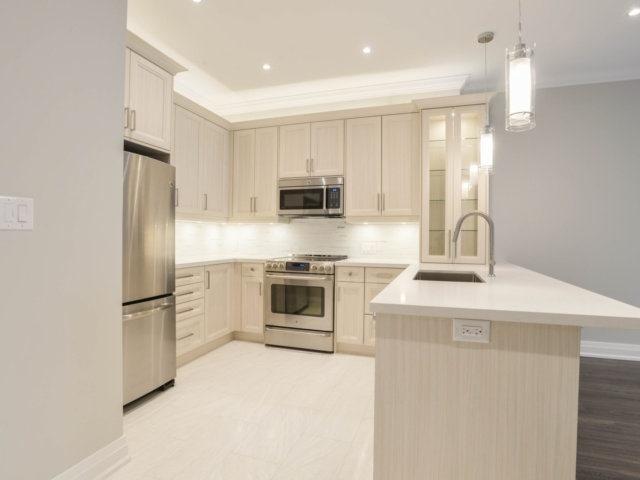 Condo Apartment at 25 The Esplanade, Unit 3016, Toronto, Ontario. Image 15
