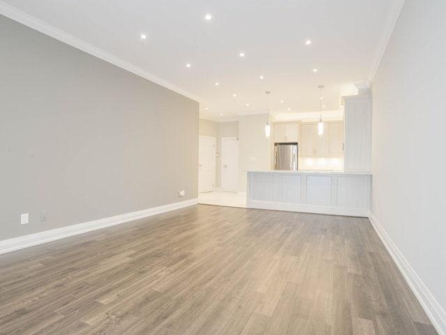 Condo Apartment at 25 The Esplanade, Unit 3016, Toronto, Ontario. Image 17