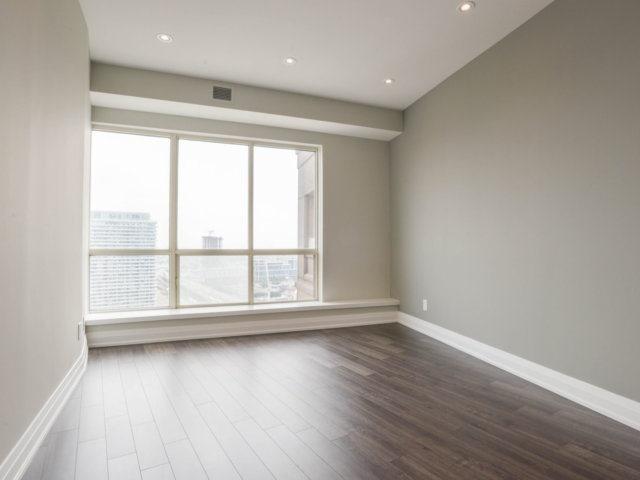 Condo Apartment at 25 The Esplanade, Unit 3016, Toronto, Ontario. Image 2