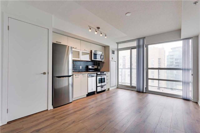 Condo Apartment at 68 Abell St, Unit 1810, Toronto, Ontario. Image 14