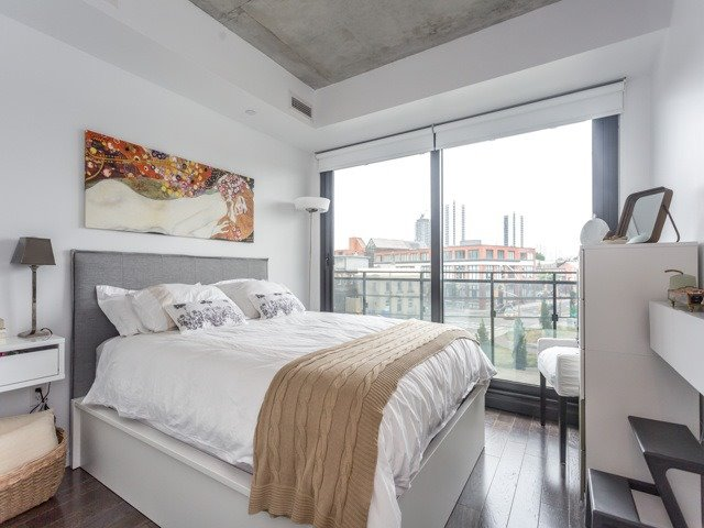 Condo With Common Elements at 51 Trolley Cres, Unit 317, Toronto, Ontario. Image 7