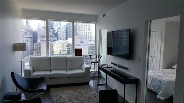 Condo Apartment at 8 The Esplanade, Unit 1807, Toronto, Ontario. Image 2