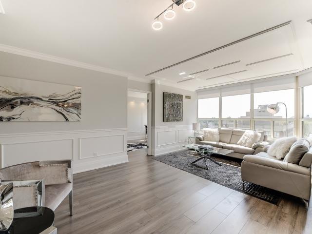 Condo Apartment at 268 Ridley Blvd, Unit 1015, Toronto, Ontario. Image 10