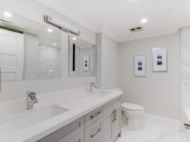 Condo Apartment at 268 Ridley Blvd, Unit 1015, Toronto, Ontario. Image 3