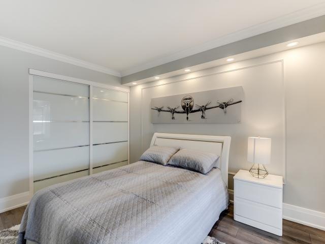 Condo Apartment at 268 Ridley Blvd, Unit 1015, Toronto, Ontario. Image 4
