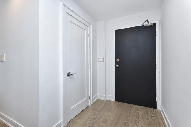 Condo Apartment at 260 Heath St, Unit 1402, Toronto, Ontario. Image 12