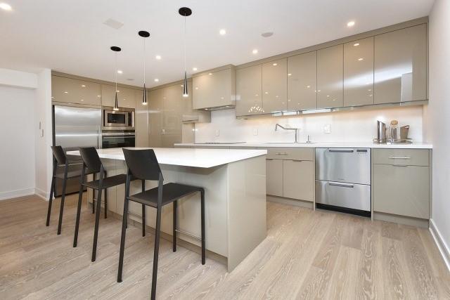 Condo Apartment at 260 Heath St, Unit 1402, Toronto, Ontario. Image 15