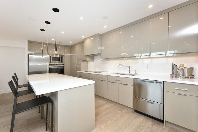 Condo Apartment at 260 Heath St, Unit 1402, Toronto, Ontario. Image 16