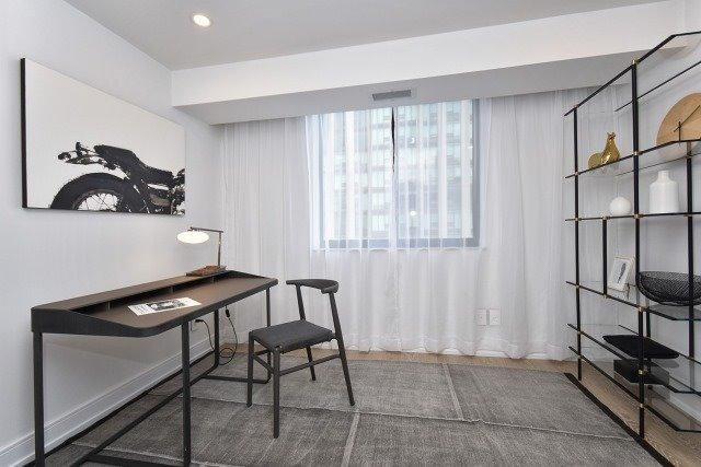 Condo Apartment at 260 Heath St, Unit 1402, Toronto, Ontario. Image 8