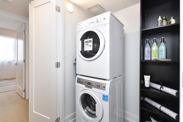 Condo Apartment at 260 Heath St, Unit 1402, Toronto, Ontario. Image 10