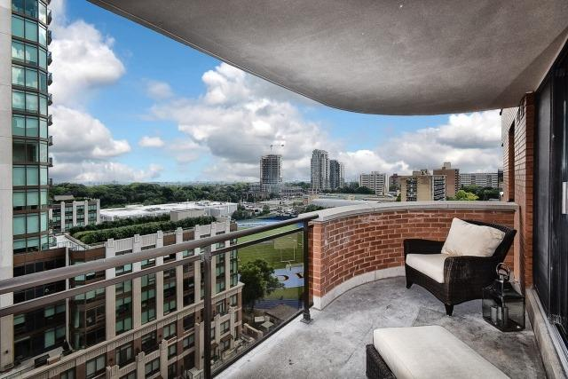 Condo Apartment at 260 Heath St, Unit 1402, Toronto, Ontario. Image 11