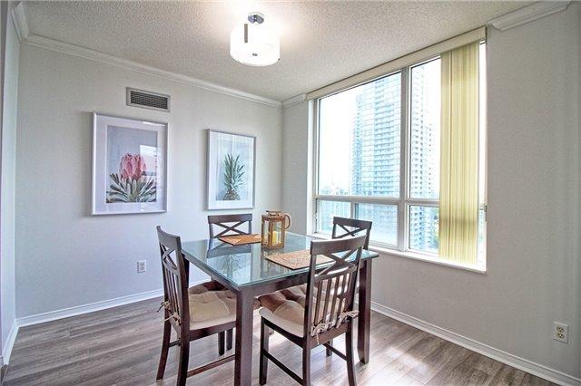 Condo Apartment at 238 Doris Ave, Unit 2511, Toronto, Ontario. Image 8