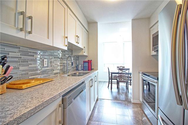 Condo Apartment at 238 Doris Ave, Unit 2511, Toronto, Ontario. Image 9
