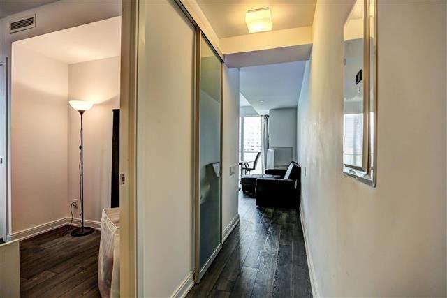Condo Apartment at 42 Charles St E, Unit 1907, Toronto, Ontario. Image 14