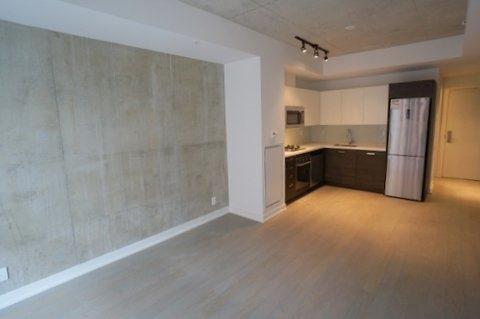 Condo Apartment at 39 Brant St, Unit 821, Toronto, Ontario. Image 6