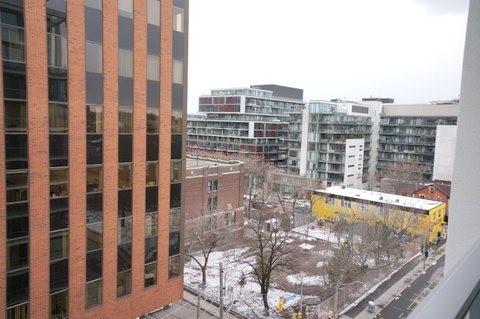 Condo Apartment at 39 Brant St, Unit 821, Toronto, Ontario. Image 11