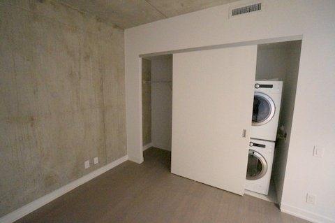 Condo Apartment at 39 Brant St, Unit 821, Toronto, Ontario. Image 12