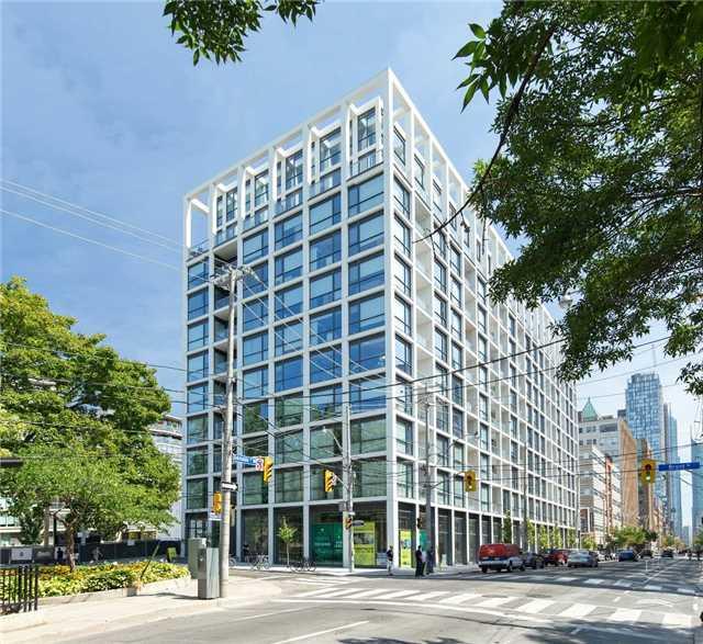 Condo Apartment at 39 Brant St, Unit 821, Toronto, Ontario. Image 2