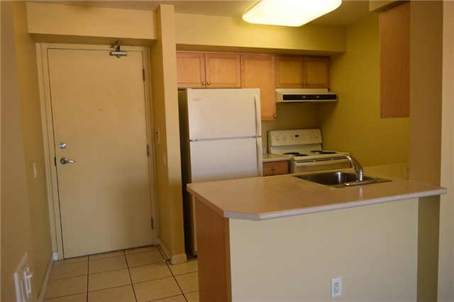 Condo Apartment at 153 Beecroft Rd, Unit 607, Toronto, Ontario. Image 4