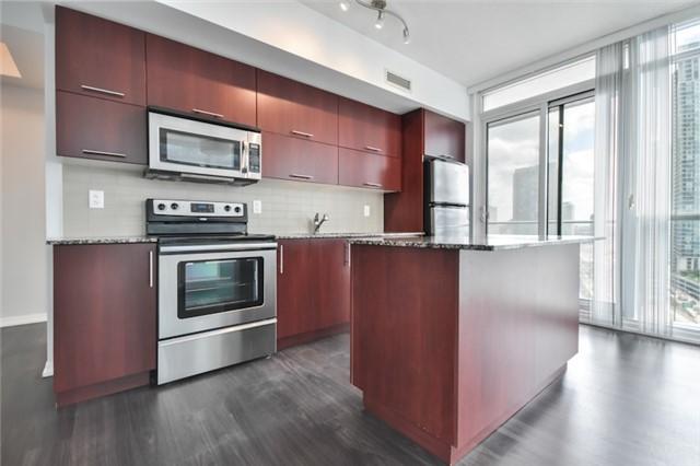 Condo Apartment at 55 Bremner Blvd, Unit 1307, Toronto, Ontario. Image 7