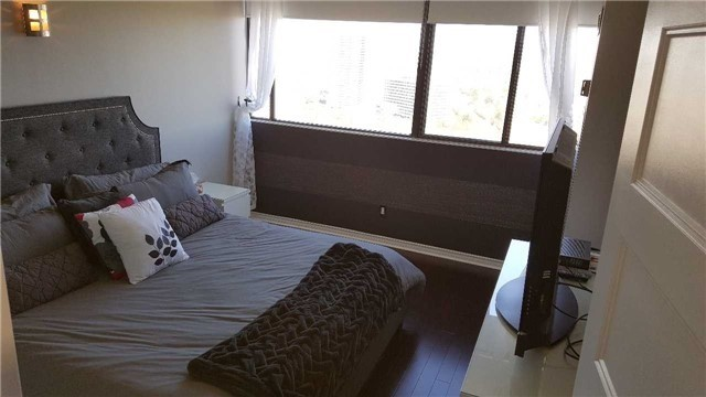 Condo Apartment at 133 Torresdale Ave, Unit Ph1, Toronto, Ontario. Image 14