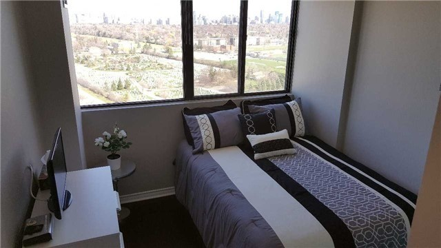 Condo Apartment at 133 Torresdale Ave, Unit Ph1, Toronto, Ontario. Image 16