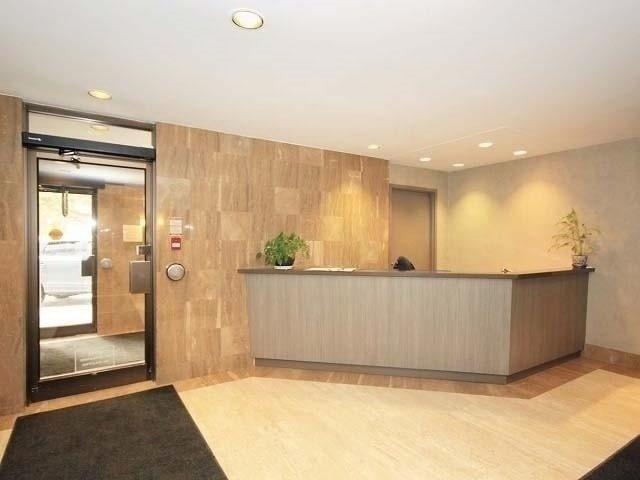 Condo Apartment at 133 Torresdale Ave, Unit Ph1, Toronto, Ontario. Image 5