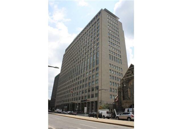 Condo Apartment at 111 St Clair Ave W, Unit 1513, Toronto, Ontario. Image 1