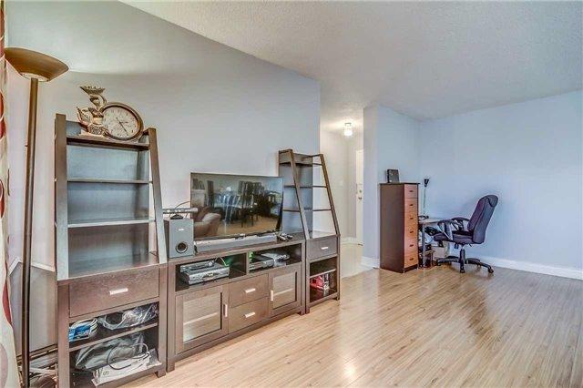 Condo Apartment at 175 Hilda Ave, Unit 502, Toronto, Ontario. Image 3