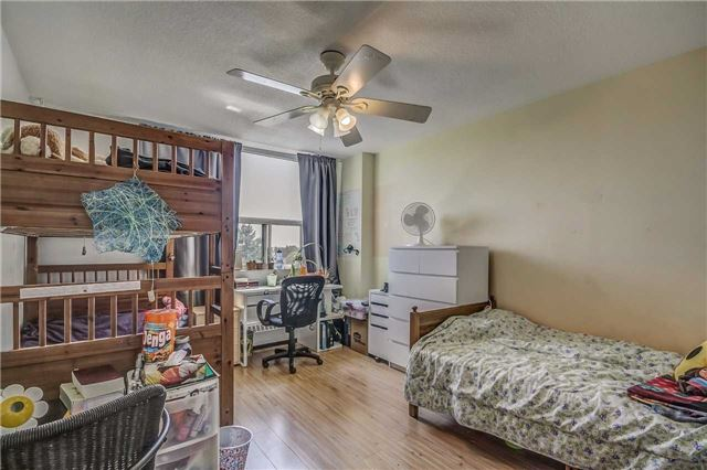 Condo Apartment at 175 Hilda Ave, Unit 502, Toronto, Ontario. Image 4