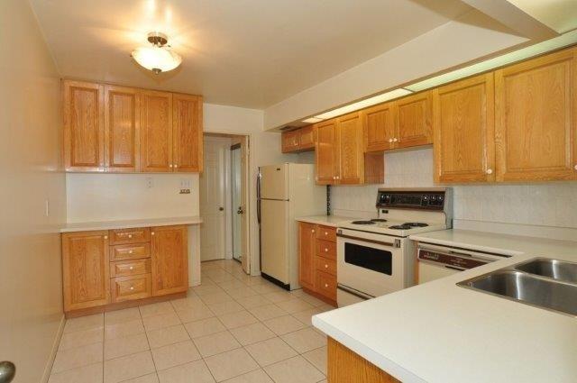 Condo Apartment at 33 Elmhurst Ave, Unit 1603, Toronto, Ontario. Image 20