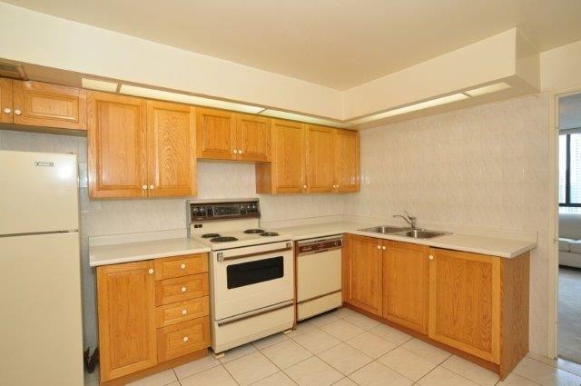 Condo Apartment at 33 Elmhurst Ave, Unit 1603, Toronto, Ontario. Image 3