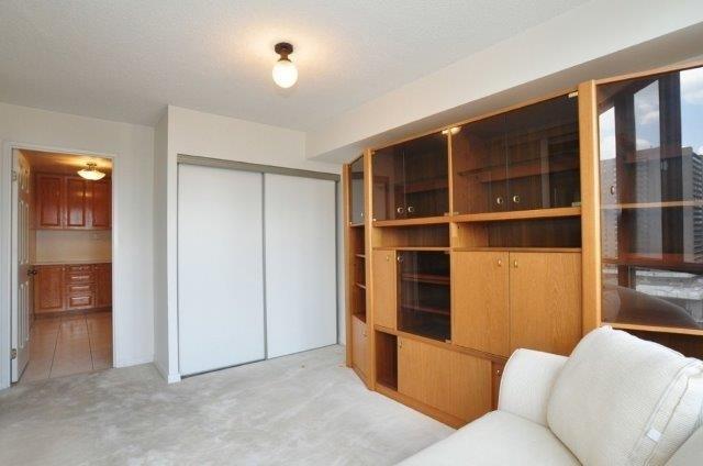 Condo Apartment at 33 Elmhurst Ave, Unit 1603, Toronto, Ontario. Image 4