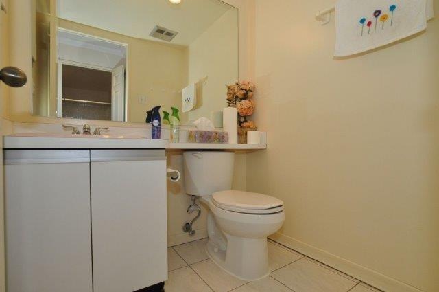 Condo Apartment at 33 Elmhurst Ave, Unit 1603, Toronto, Ontario. Image 9